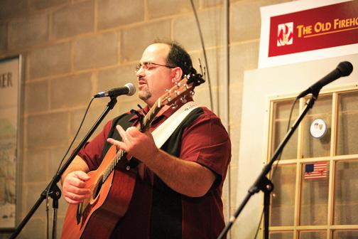 Rabbi Neal Katz Entertains, Educates